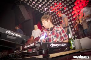 Jody Wisternoff is playing @ STUDIO MARTIN BUCHAREST